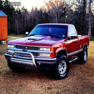 """1991 Chevrolet Silverado 1500 - 17x9 -23.876mm - XD Strike - Suspension Lift 4"""" - 33"""" x 12.5"""""""