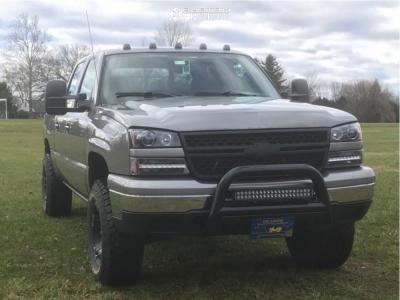 "2006 Chevrolet Silverado 1500 - 17x9 -12mm - XD Rockstar Ii - Suspension Lift 2.5"" - 285/70R17"