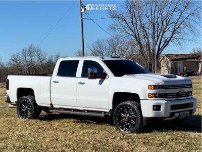 2018 Chevrolet Silverado 2500 HD - 22x9.5 25mm - Fuel Maverick D538 - Stock Suspension - 285/50R22