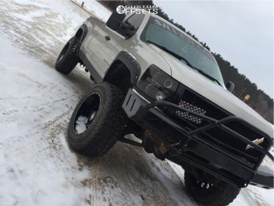 "2007 Chevrolet Silverado 1500 - 20x12 -44mm - American Truxx Striker - Leveling Kit & Body Lift - 35"" x 12.5"""