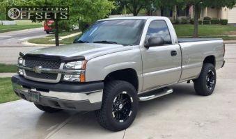 2004 Chevrolet Silverado 1500 - 18x9 -12mm - Moto Metal MO951 - Leveling Kit - 285/65R18