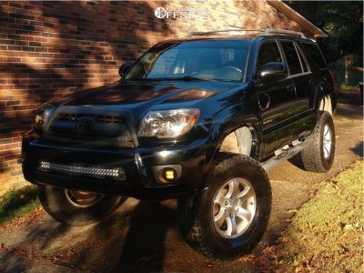 """2006 Toyota 4Runner - 17x7.5 30mm - Spaced Out Stockers Spaced Out Stockers - Suspension Lift 8"""" - 305/70R17"""