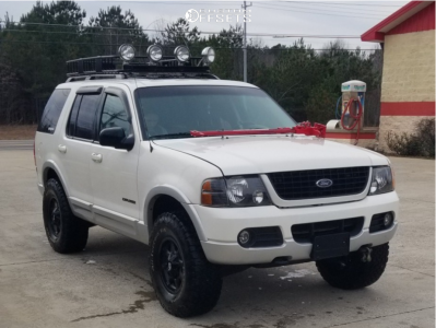 """2002 Ford Explorer - 17x9 10mm - American Outlaw Deputy - Suspension Lift 2.5"""" - 33"""" x 10.5"""""""