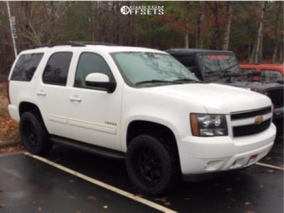 2013 Chevrolet Tahoe - 20x10 -24mm - Ultra Menace - Stock Suspension - 275/55R20