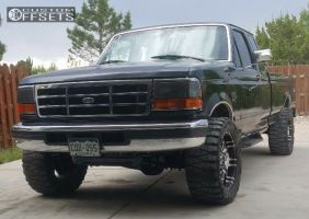 """1995 Ford F-250 - 20x9 18mm - Helo HE835 - Stock Suspension - 33"""" x 12.5"""""""