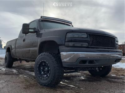 """2002 Chevrolet Silverado 1500 - 15x10 -43mm - Fuel Lethal - Suspension Lift 6"""" - 31"""" x 10.5"""""""
