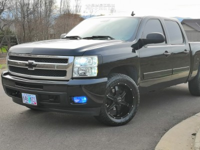 "2008 Chevrolet Silverado 1500 - 20x9 0mm - Mkw Offroad M89 - Level 2"" Drop Rear - 275/55R20"