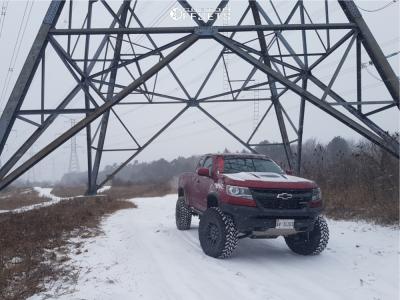 "2018 Chevrolet Colorado - 17x8.5 7mm - Fuel Recoil - Suspension Lift 4"" - 35"" x 12.5"""