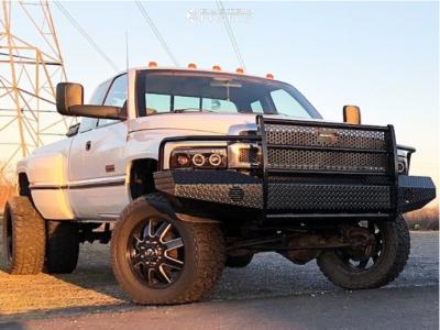 "1996 Dodge Ram 3500 - 20x12 -44mm - Fuel Maverick - Leveling Kit - 35"" x 12.5"""
