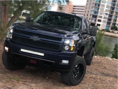 "2009 Chevrolet Silverado 1500 - 20x12 -44mm - Moto Metal Mo984 - Suspension Lift 6"" - 35"" x 12.5"""