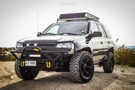 "2002 Chevrolet Trailblazer - 17x9 -12mm - XD Rockstar Ii - Suspension Lift 3"" - 265/70R17"