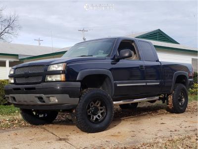 "2005 Chevrolet Silverado 1500 - 18x9 1mm - Ultra Warlock - Suspension Lift 6"" - 325/65R18"