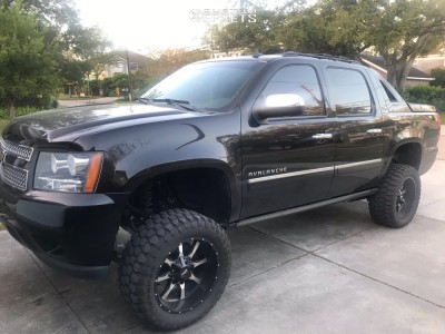 "2011 Chevrolet Avalanche - 20x10 -25mm - Moto Metal Mo970 - Suspension Lift 7"" - 33"" x 12.5"""