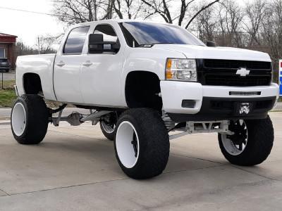 "2007 Chevrolet Silverado 1500 - 24x14 -76mm - Fuel Maverick - Lifted >12"" - 40"" x 15.5"""