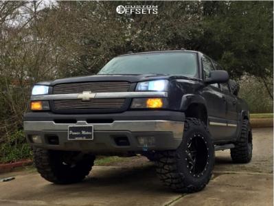 "2005 Chevrolet Silverado 1500 - 18x12 -44mm - Fuel Maverick D538 - Leveling Kit - 35"" x 12.5"""