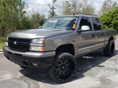 "2006 Chevrolet Silverado 1500 Classic - 24x12 -44mm - Fuel Maverick - Suspension Lift 6"" - 33"" x 12.5"""