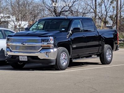 2018 Chevrolet Silverado 1500 - 17x9 18mm - Ultra Hunter - Stock Suspension - 245/70R17