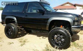 "1994 Chevrolet Blazer - 20x12 -51mm - Vision Rage - Suspension Lift 6"" & Body 3"" - 37"" x 12.5"""