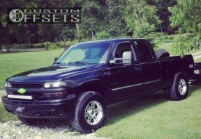 2002 Chevrolet Silverado 1500 - 17x9 -12mm - XD Spy - Leveling Kit - 265/70R17