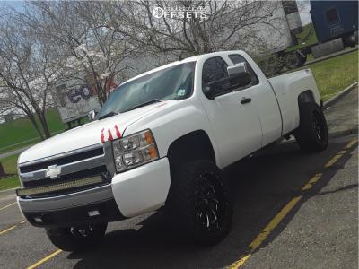 "2008 Chevrolet Silverado 1500 HD - 22x10 -18mm - Fuel Cleaver - Suspension Lift 6"" - 33"" x 12.5"""