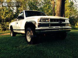 1996 Chevrolet K2500 - 16x8.5 5mm - Mickey Thompson Bullet Hole - Stock Suspension - 265/75R16
