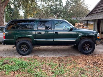 2004 Chevrolet Suburban - 17x9 -6mm - Mayhem Prodigy - Leveling Kit - 285/75R17