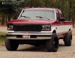 "1995 Ford F-250 - 20x12 -44mm - Moto Metal MO962 - Level 2"" Drop Rear - 275/65R20"
