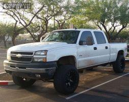 "2007 Chevrolet Silverado 2500 HD Classic - 20x12 -44mm - Fuel Maverick - Suspension Lift 6"" - 325/60R20"