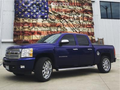 """2010 Chevrolet Silverado 1500 - 22x9.5 18mm - XD Badlands - Level 2"""" Drop Rear - 305/45R22"""