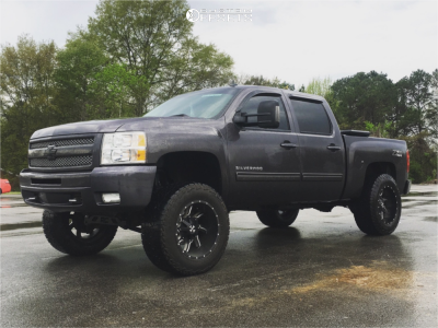 "2010 Chevrolet Silverado 1500 - 20x12 -44mm - Cali Offroad Twisted - Suspension Lift 6"" - 325/60R20"