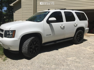 2012 Chevrolet Tahoe - 22x9 27mm - OE Performance 169 - Leveling Kit - 305/45R22