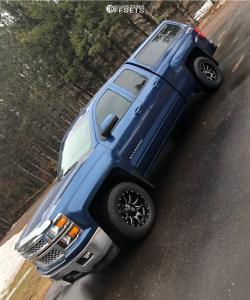 2015 Chevrolet Silverado 1500 - 18x9 -12mm - Fuel Vandal - Stock Suspension - 285/60R18