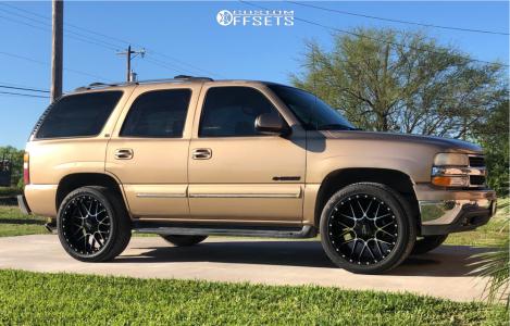 2001 Chevrolet Tahoe - 22x10 -12mm - Moto Metal Mo986 - Stock Suspension - 305/40R22