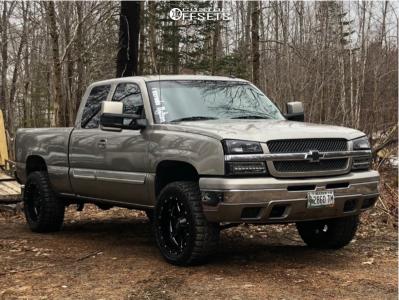 "2003 Chevrolet Silverado 1500 - 20x10 -24mm - Moto Metal 962 - Suspension Lift 3"" - 33"" x 12.5"""