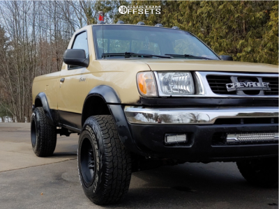 """1998 Nissan Frontier - 15x10 -43mm - Fuel Lethal - Stock Suspension - 30"""" x 9.5"""""""