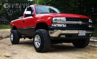 "1999 Chevrolet Silverado 1500 - 16x12 -44mm - Mickey Thompson Beadlock - Suspension Lift 4"" - 33"" x 12.5"""