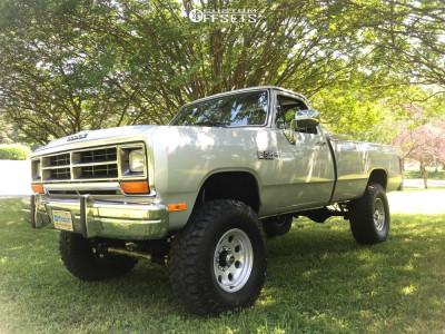 """1988 Dodge W250 - 17x9 -12mm - Pacer Lt - Suspension Lift 6"""" - 37"""" x 12.5"""""""