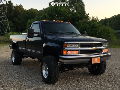 """1996 Chevrolet K2500 - 16.5x10 -51mm - Weld Racing Outback - Suspension Lift 4"""" - 33"""" x 12.5"""""""