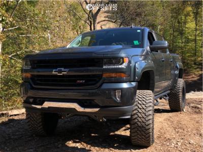 """2017 Chevrolet Silverado 1500 - 20x12 -44mm - Fuel Maverick D538 - Suspension Lift 9"""" - 37"""" x 13.5"""""""