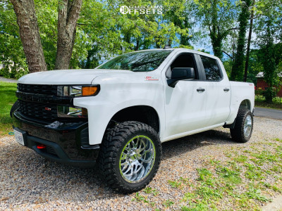 """2019 Chevrolet Silverado 1500 - 20x10 -25mm - Ultra Hunter - Suspension Lift 2.5"""" - 285/50R20"""