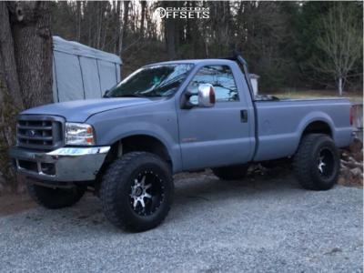 Fuel Maverick D537 18x12 -44