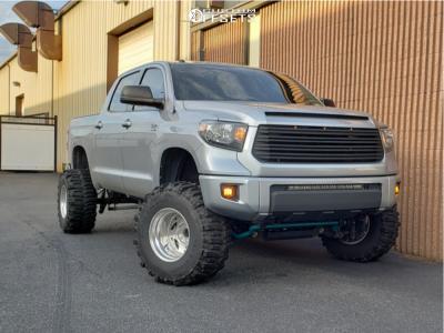 "2014 Toyota Tundra - 16.5x12 -76mm - Weld Racing Scorpio - Suspension Lift 8"" - 35"" x 14.5"""