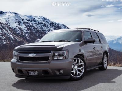 2007 Chevrolet Tahoe - 22x9 27mm - Oe Performance 150 - Lowered 2F / 4R - 285/45R22