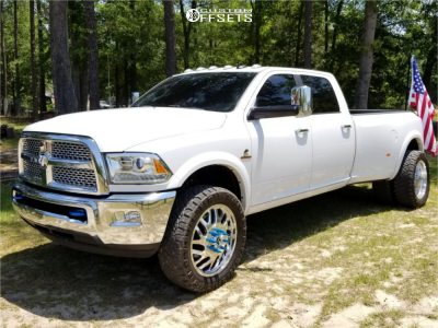 2017 Ram 3500 - 22x8.25 107mm - Fuel Forged Ff29 - Stock Suspension - 285/55R22