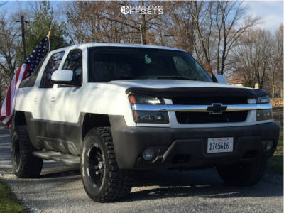 """2004 Chevrolet Avalanche 1500 - 17x9 -12mm - Moto Metal Mo951 - Leveling Kit - 33"""" x 12.5"""""""