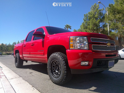 2012 Chevrolet Silverado 1500 - 17x9 -6mm - Pro Comp Series 40 - Leveling Kit - 285/70R17