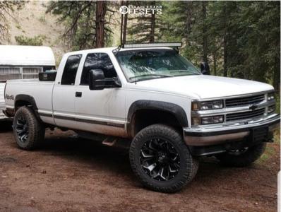 1998 Chevrolet K2500 - 20x10 -18mm - Fuel Assault - Leveling Kit & Body Lift - 295/65R20