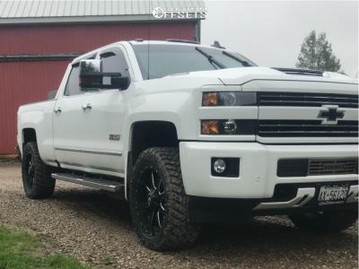 "2018 Chevrolet Silverado 2500 HD - 22x9.5 25mm - Fuel Maverick - Leveling Kit - 35"" x 12.5"""
