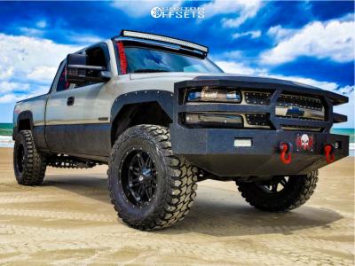 "2000 Chevrolet Silverado 1500 - 20x10 -12mm - Fuel Hosatge - Suspension Lift 2.5"" - 37"" x 13.5"""