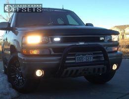 "2002 Chevrolet Suburban - 17x8 0mm - Helo HE835 - Stock Suspension - 31"" x 8.5"""